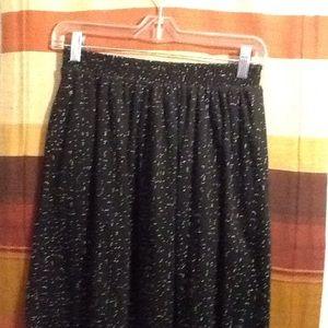 Dresses & Skirts - Women's skirt-👗read description 👗